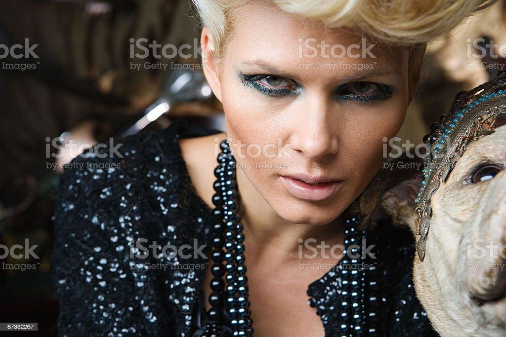 Porträt von aufwändig ausgestatteten Frau Lizenzfreies stock-foto