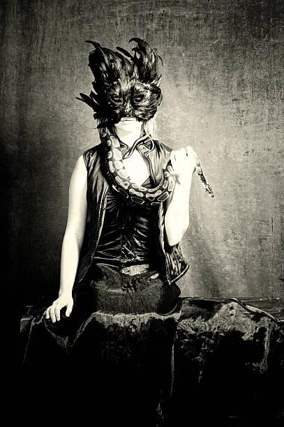 porträt von macabre - schwarze schlange stock-fotos und bilder