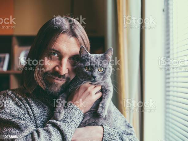 Portrait of man with cat picture id1097385610?b=1&k=6&m=1097385610&s=612x612&h=rm6hyh 1lo9frquceixpm1tnomis2ujrf2qk9yfy4b0=
