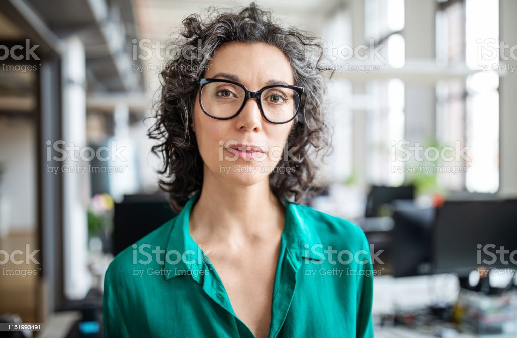 Portrait of mature businesswoman in office - Royalty-free 40-44 Years Stock Photo