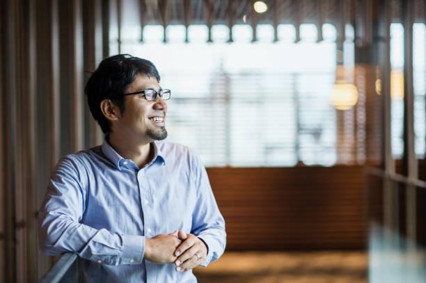 半ば大人ビジネスマンの肖像画 - ビジネスマン 日本人 ストックフォトと画像