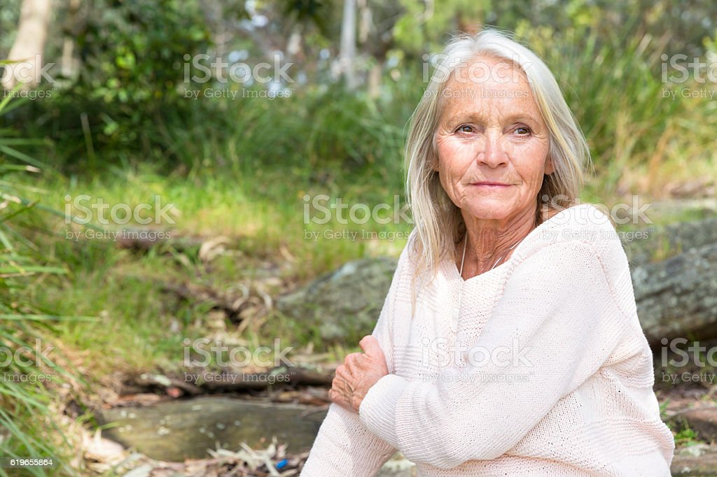 Portrait of modern attractive blond mature woman, copy space – Foto
