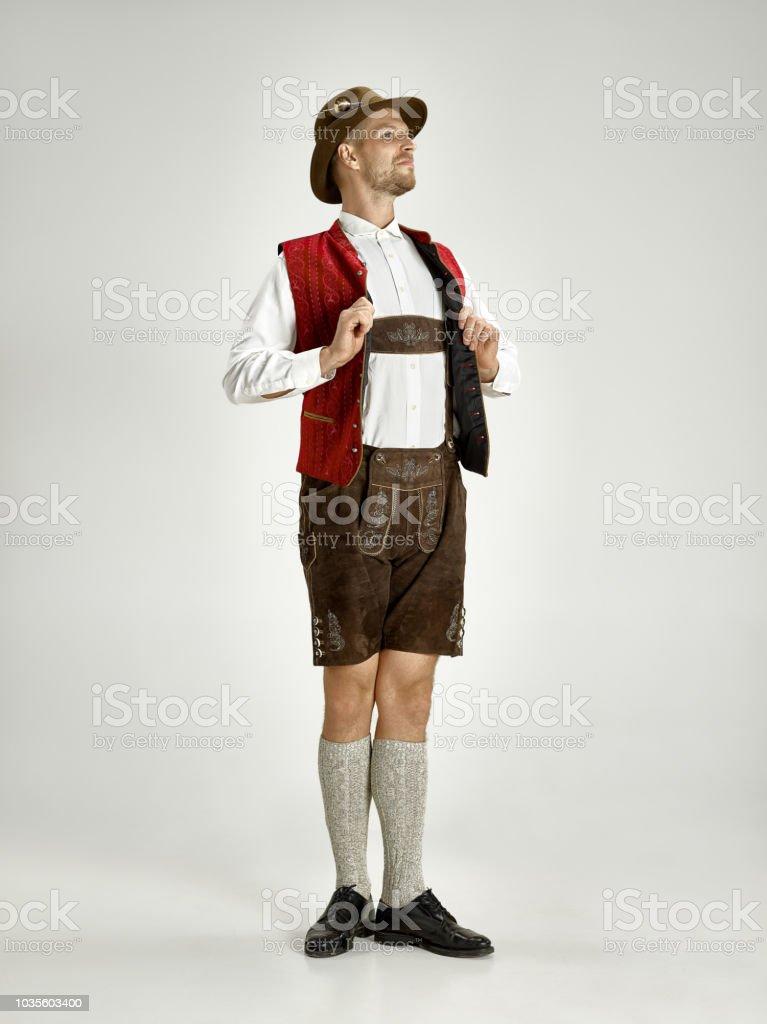 Portrait von Oktoberfest Mann, Bayerische Tracht – Foto