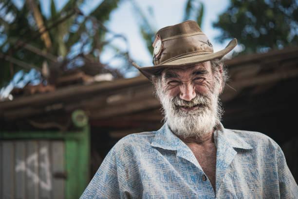 옛 사람, 수레 말 노동자, 브라질의 초상화 - 남미 문화 뉴스 사진 이미지