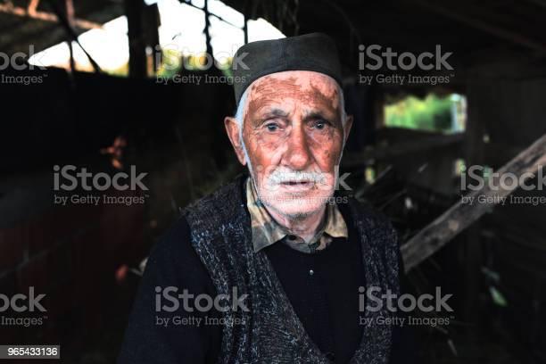 Foto de Retrato Do Velho Trabalhador De Cavalo De Carroça e mais fotos de stock de Adulto