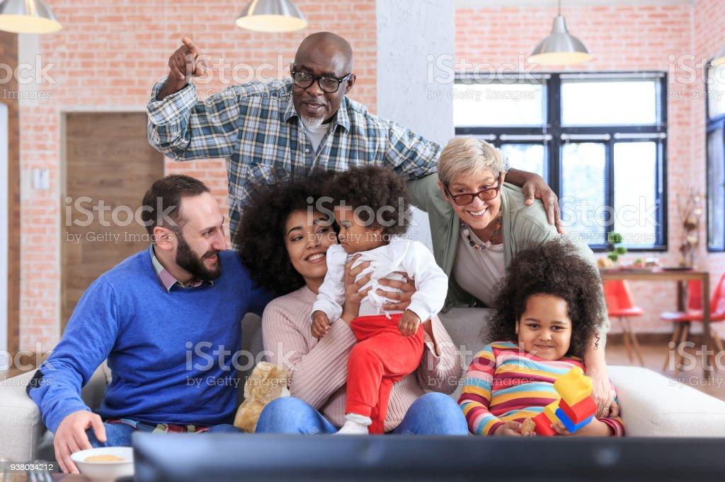 Porträt von Eltern, Großeltern und Kinder - multi-ethnischen Familie – Foto