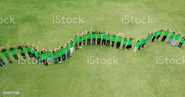 Portrait of people in green tshirts forming wavy line in field picture id151811134?b=1&k=6&m=151811134&s=612x612&h=rq4jb53 1m 2ascztzpmkquk3ypi685wlwgrkyovdqc=