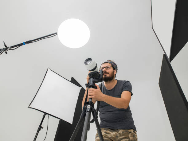 Portrait of photographer with dslr format camera picture id595764718?b=1&k=6&m=595764718&s=612x612&w=0&h=xdnt6ggujh3petw9dyc1ocoalulpkvnrg48sgk9pneg=