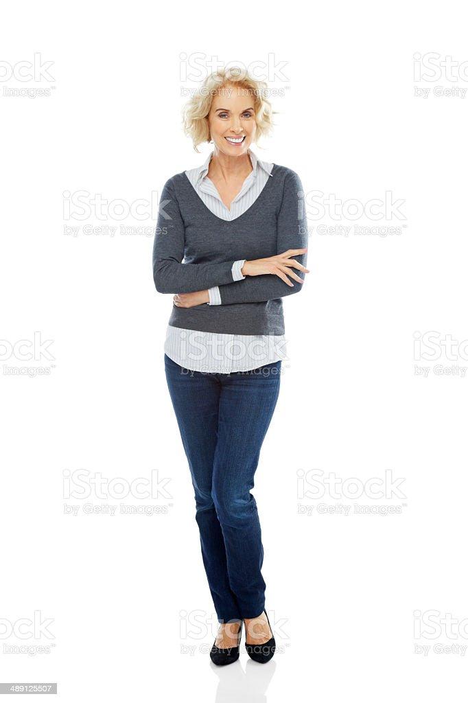 Portrait de jolie femme debout sur blanc Décontracté - Photo