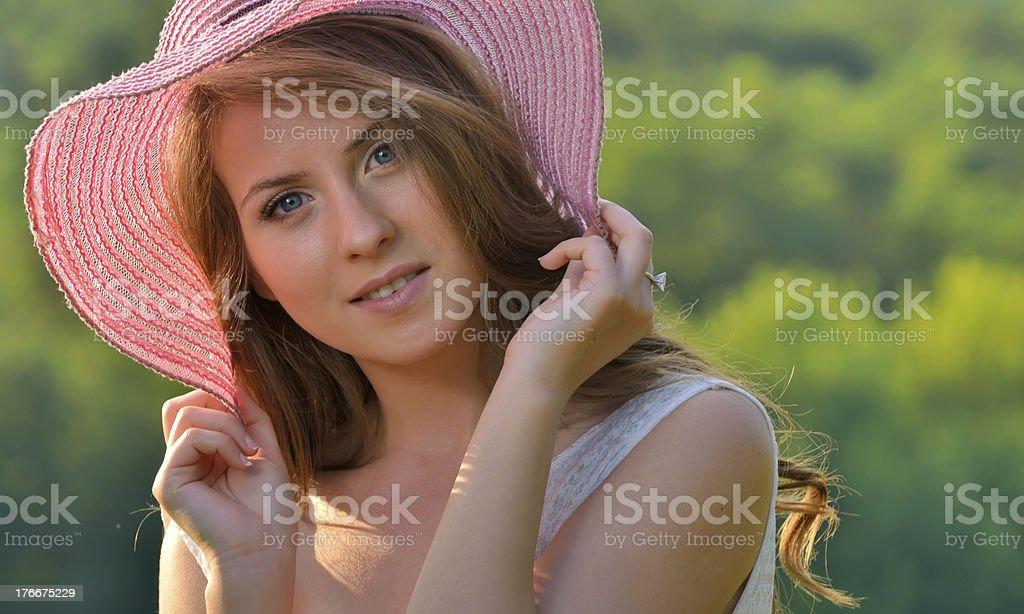 Retrato de la hermosa Chica Alegre foto de stock libre de derechos