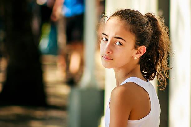 Retrato da bela garota - foto de acervo