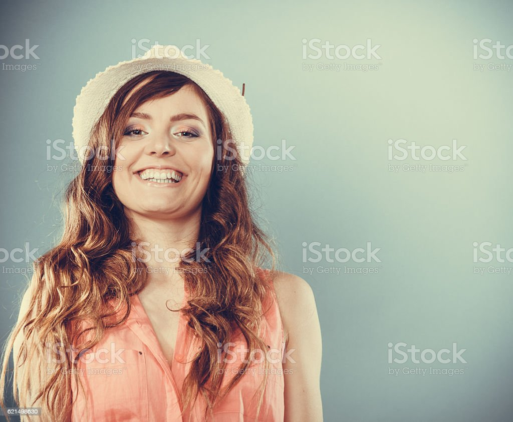Piuttosto Ritratto di splendida ragazza giovane donna. foto stock royalty-free