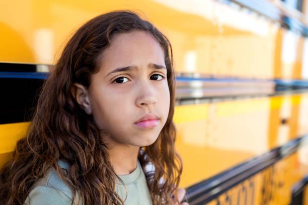 Porträt der traurigen Schülerin – Foto