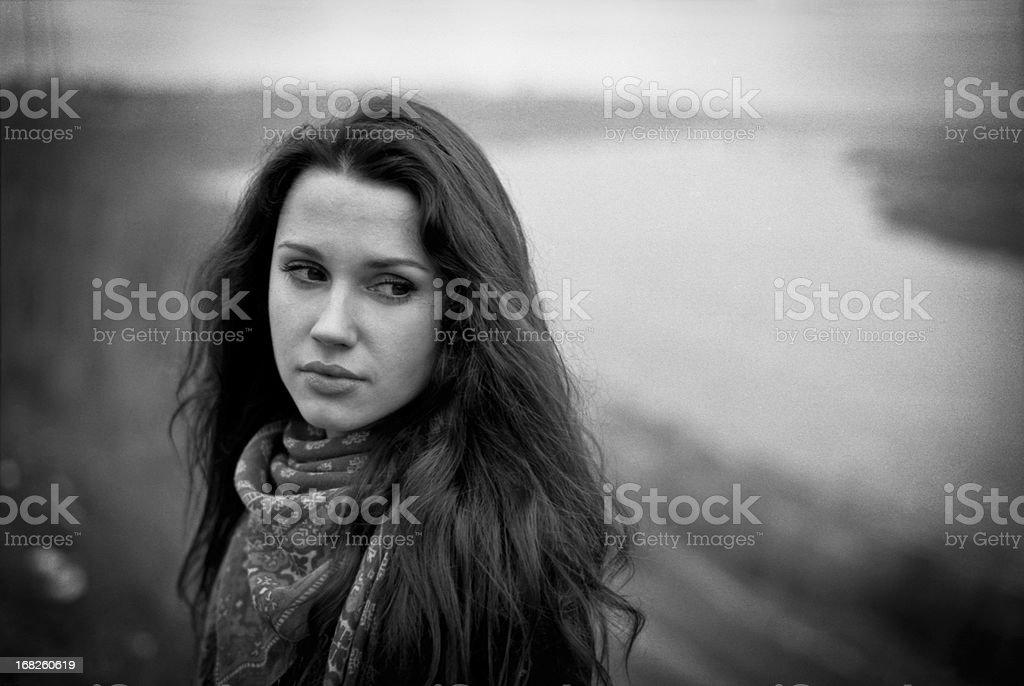 Портрет грустно молодая женщина стоковое фото