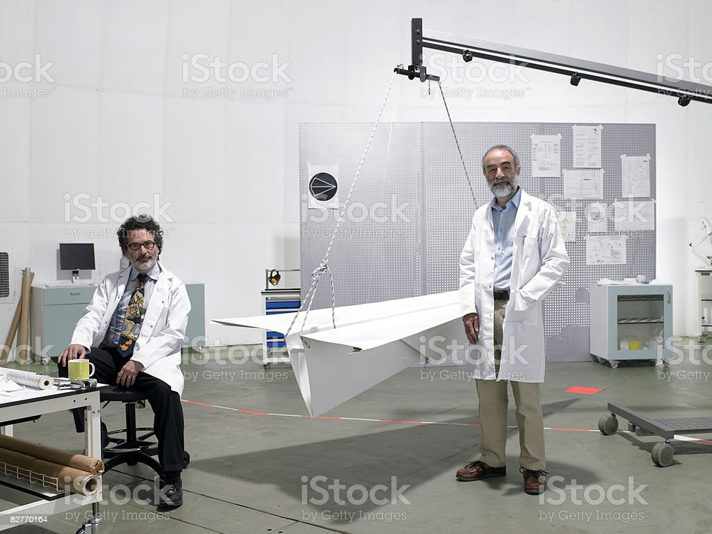 portrait of scientists in laboratory royalty free stockfoto