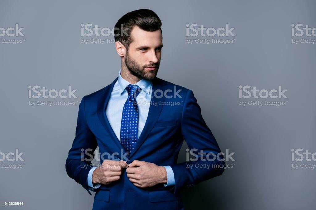 Porträt Von Ernst Modisch Gut Aussehender Mann In Blauem Anzug Und