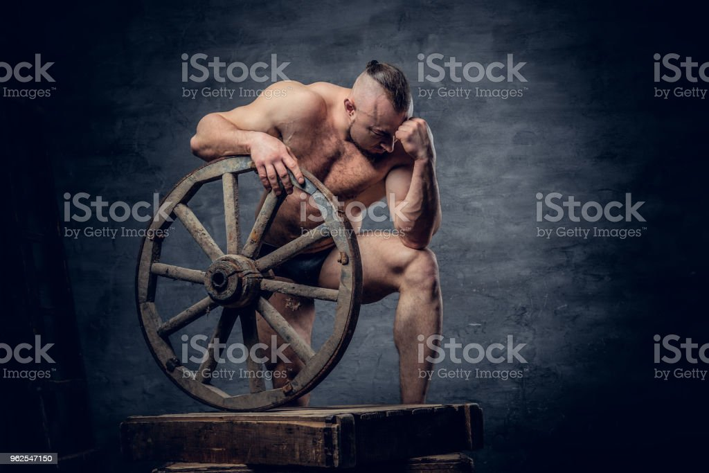 Portrait of shirtless muscular bodybuilder slave male. - Royalty-free Abdomen Stock Photo