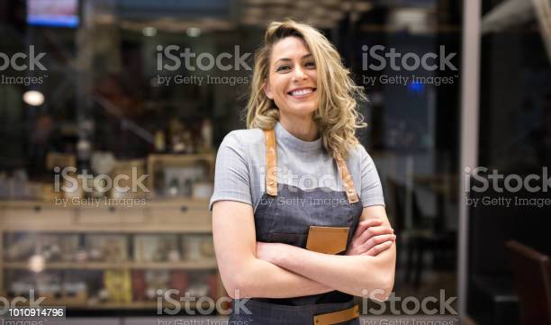 Portrait of smiling cafeteria owner picture id1010914796?b=1&k=6&m=1010914796&s=612x612&h=o0xcfprfgaz3nrtw9tovc3lf2no0ixbfxjo9qsjj 8k=