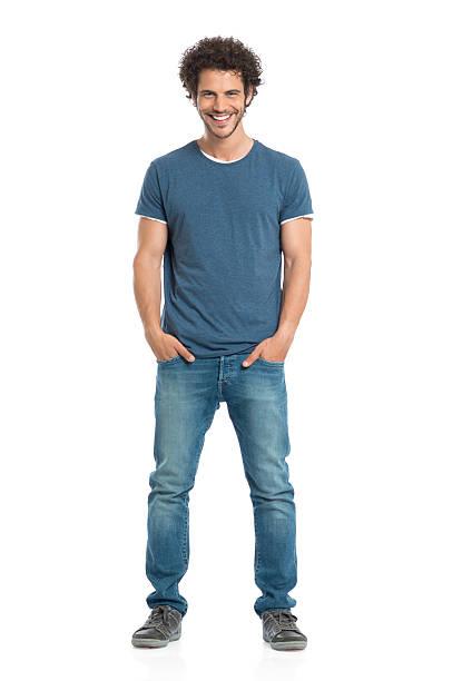 retrato de hombre joven sonriente - un solo hombre joven fotografías e imágenes de stock