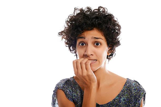 Porträt der gestresste Frau beißen Fingernagel – Foto
