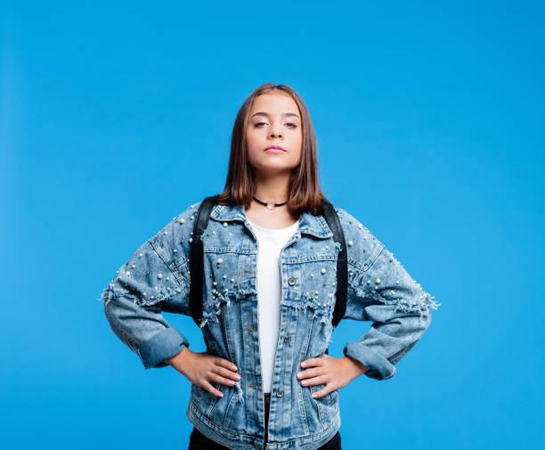 porträtt av super tennage flicka - superwoman barn bildbanksfoton och bilder