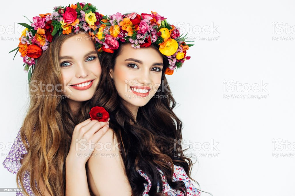 Portrait of two fresh and lovely women – zdjęcie