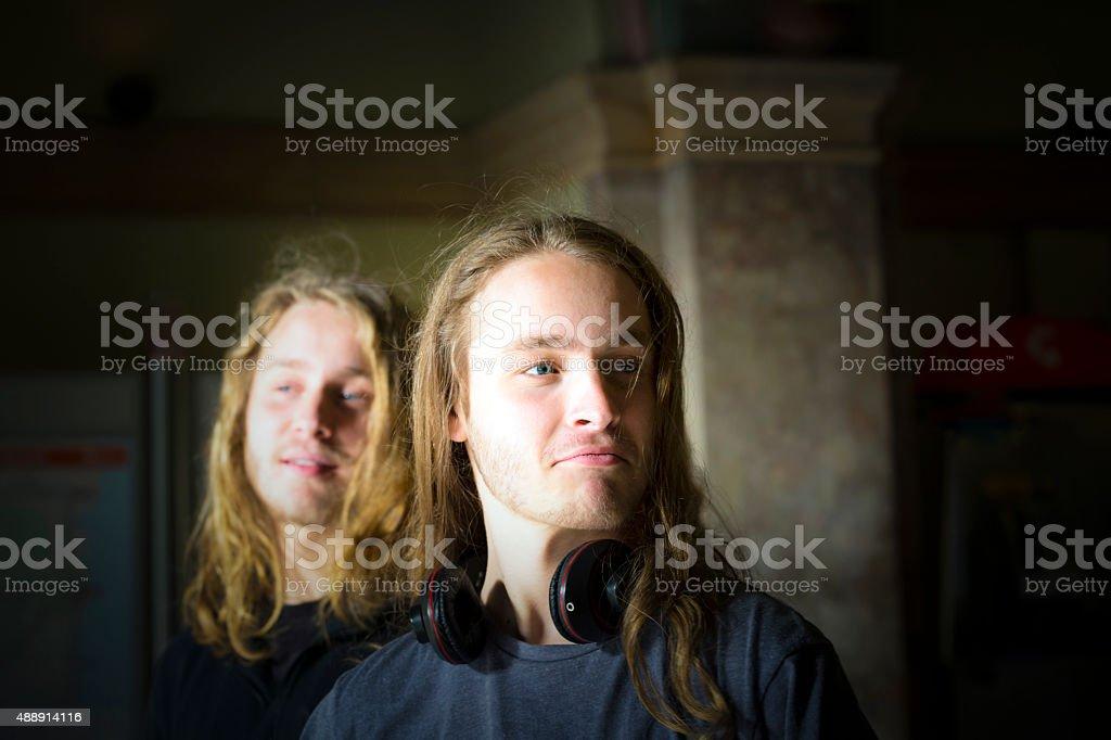 Retrato de duas dezanove anos Adolescentes Meninos, figura de solteiro duplas - foto de acervo