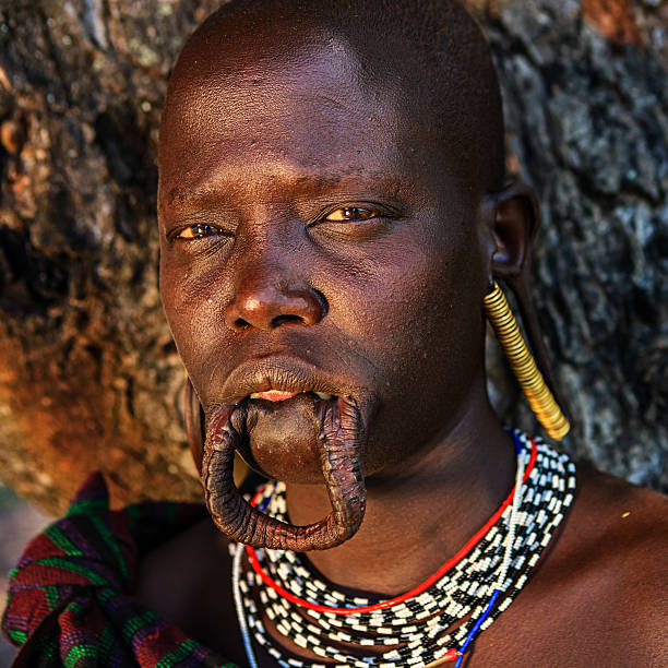 Mursi Woman with Lip Plate   Mursi   Pictures   Ethiopia