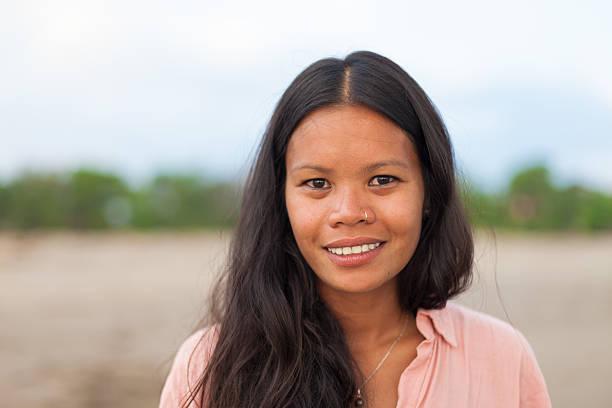 portret kobiety - kultura indonezyjska zdjęcia i obrazy z banku zdjęć