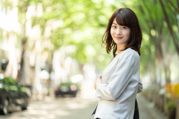 portrait of young asian businesswoman portrait of young asian businesswoman japanese ethnicity stock pictures, royalty-free photos & images