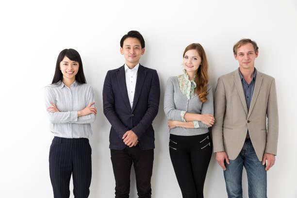 白い背景の上の若いビジネス グループの肖像画 - 東洋民族 ストックフォトと画像