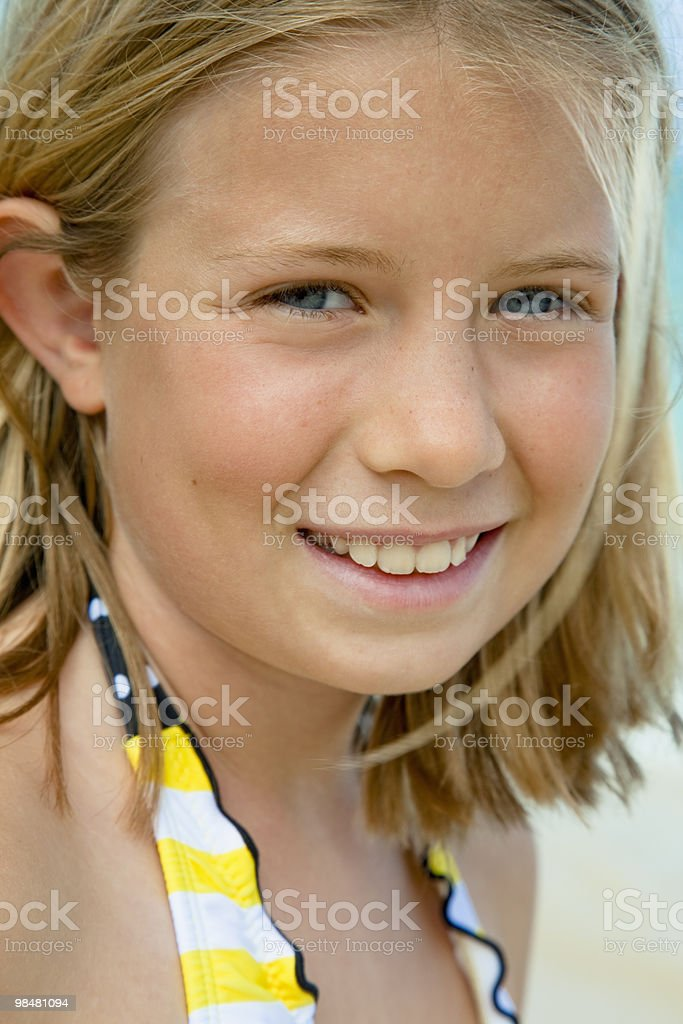 Portrait of young girl at the beach royalty-free 스톡 사진