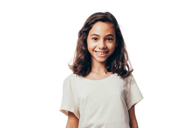 Porträt des jungen Mädchens auf weißem Hintergrund – Foto