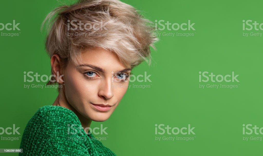 Kurze haare frauen blond