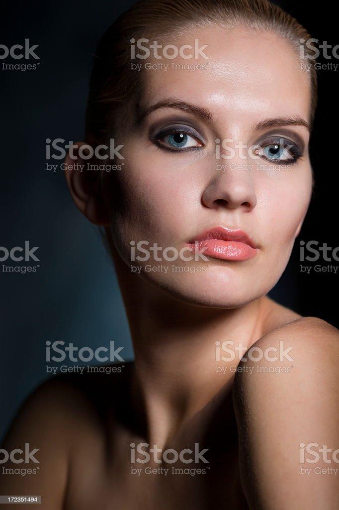 Retrato de mujer joven foto de stock libre de derechos