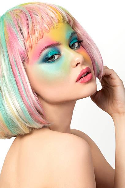 porträt der jungen frau mit lustigen make-up - regenbogen make up stock-fotos und bilder