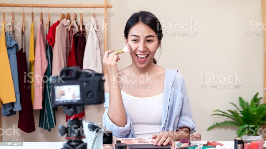Portrait Or Headshot Of Attractive Young Asian Influencer -8564