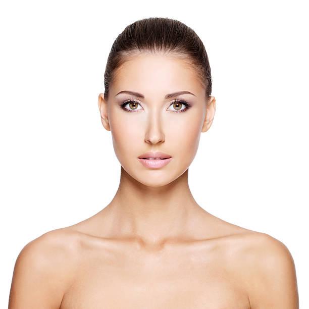 portraite di una bella donna con il volto sano naturale - portraite woman foto e immagini stock