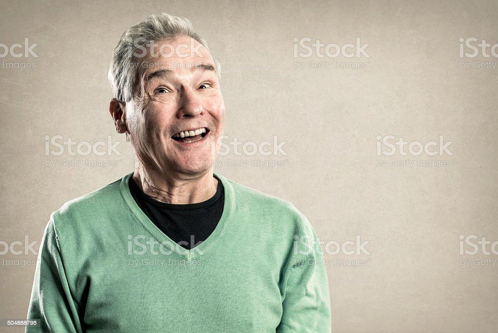 Portraits eines älteren Mannes, glücklich überrascht-Akzenten – Foto