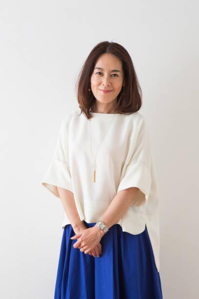 女性の肖像画 - スタジオ 日本人 ストックフォトと画像