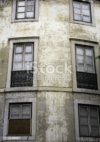 937530990 istock photo Portugal houses buildings 1220548690