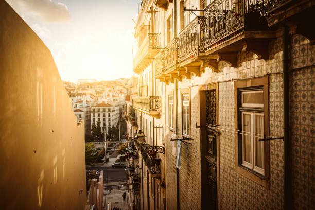 Portugal, Lissabon, Straße – Foto