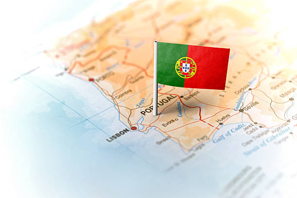 portugal pinned on the map with flag - mapa portugal imagens e fotografias de stock