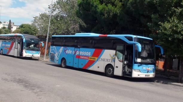portugal rede expresso bus at lisbon oriente bus station - resultados lisboa imagens e fotografias de stock