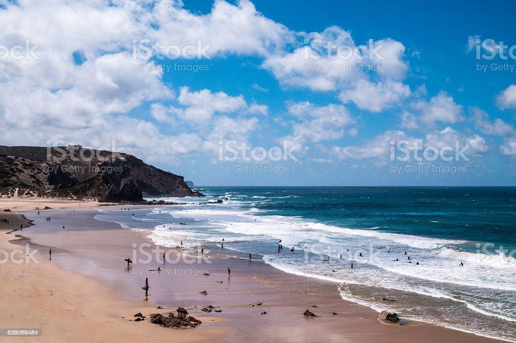 Portugal - Sunbathing under clouds on the beach – Foto