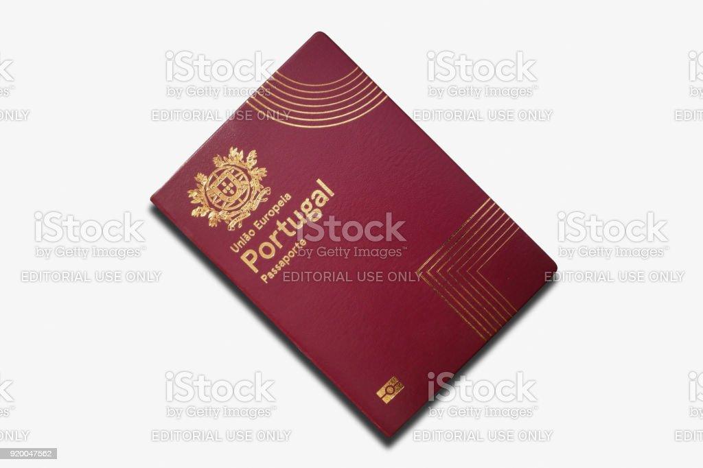 Passeport portugais isolé sur fond blanc - Photo