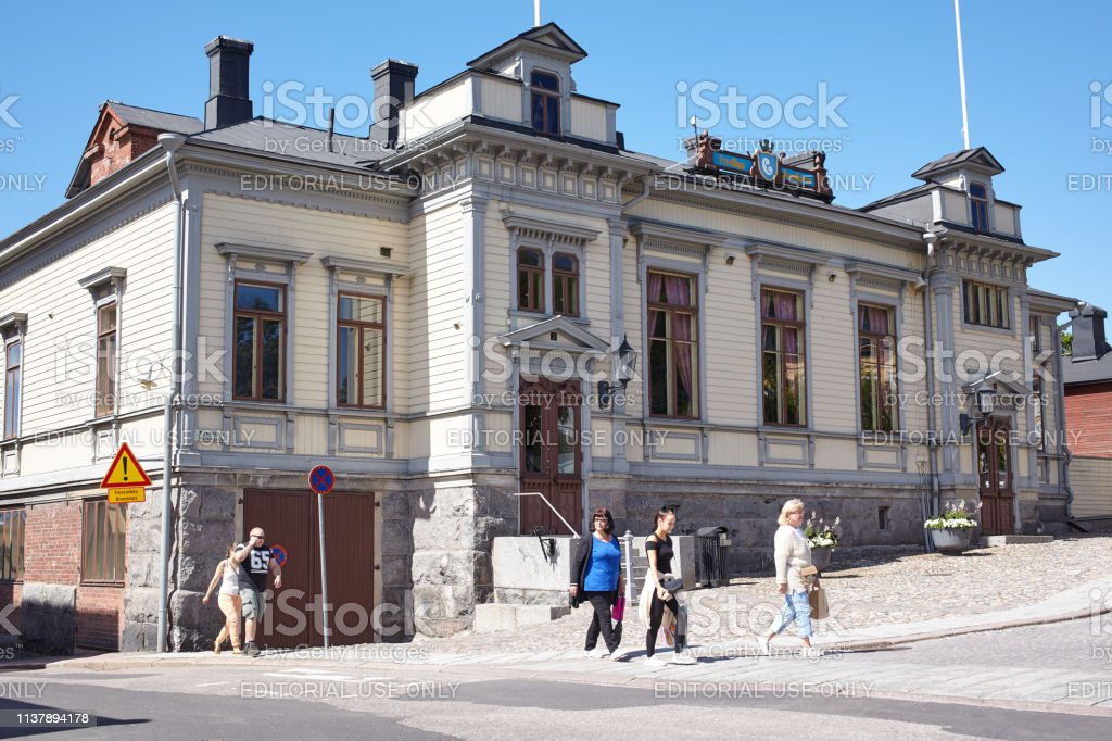 People at the building of Porvoo Volunteer Fire Brigade. The corps...