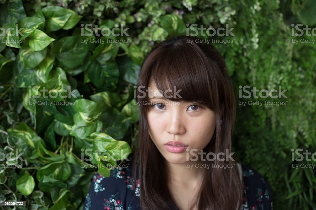 ポーズ 可愛い 女性 foto de stock royalty-free