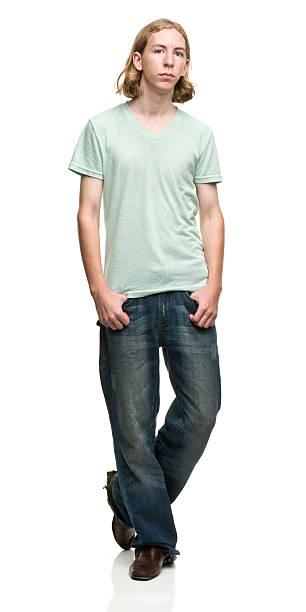 posieren junger mann - geek t shirts stock-fotos und bilder