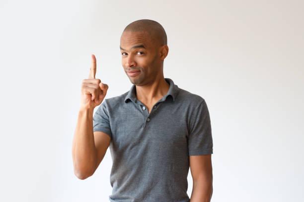 positiven afro american kerl haben tolle idee - spielerfrauen stock-fotos und bilder